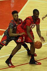 20130403_MCDAAG_Noah_Vonleh_getting_harrassed