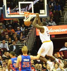 226px-Anthony_Bennett_Slam_Dunk_(10355892163)