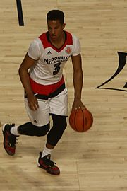 20160330_mcdaag_frank_jackson_at_the_top_of_the_key
